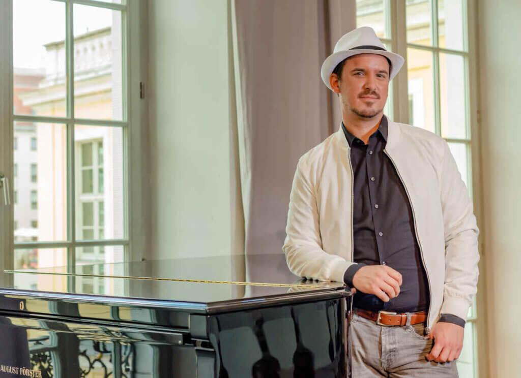 VANSAALBACH ist ein Musiker aus Dresden